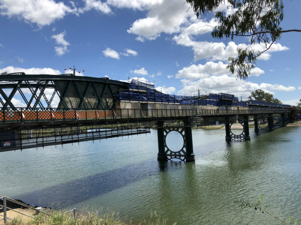 Burnett Traffic Bridge closure