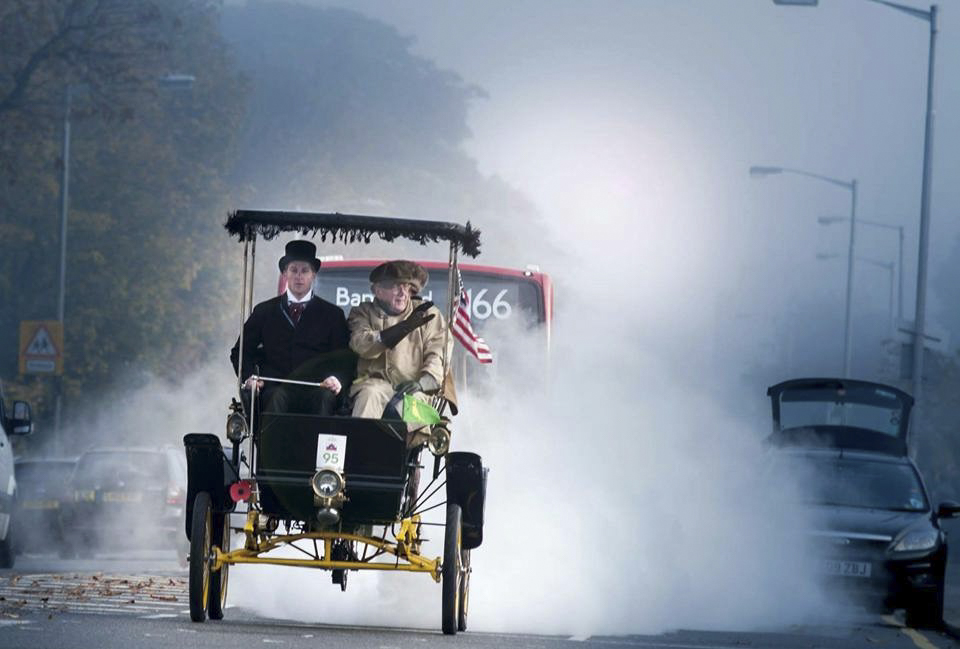 Chris Sorenson's 1901 Locomobile in full steam in the London to Brighton Veteran Car Run
