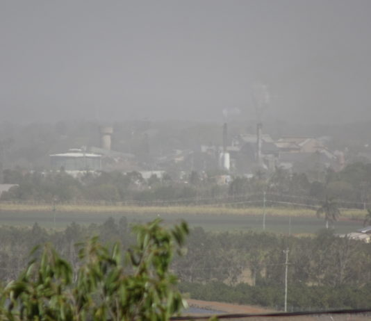 A view of Bundaberg and the dust from the Hummock