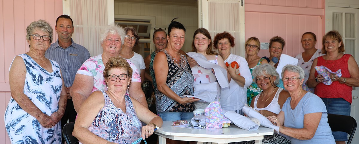 Quilters Group with Cr Bartels