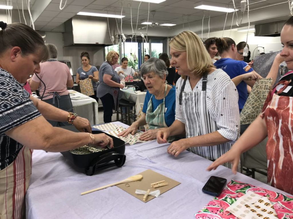 Beeswax wrap workshop train
